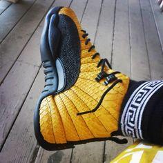 air-jordan-12-scorpion-customs-by-fbcc-nyc Zapatillas Nike Basketball, Zapatillas Jordan Retro, Nike Free Shoes, Nike Shoes Outlet, Running Shoes Nike, Air Jordans, Shoes Jordans, Custom Jordans, Air Jordan Shoes