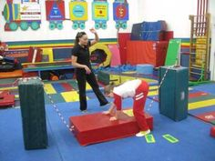 ▶ Tips for Teaching Cartwheels to Kids (various stations) Tip 2 - YouTube