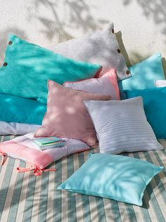 European Apartment, Duvet Sets, Garden Furniture, Cosy, Throw Pillows, Pastels, Blankets, Shabby, Exterior