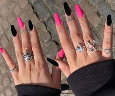 karissa :) (@painting.with.k) • Instagram photos and videos #nailideas #acrylicnails #nailart Goth Nails, Edgy Nails, Aycrlic Nails, Stylish Nails, Trendy Nails, Swag Nails, Soft Grunge Nails, Edgy Nail Art, Acrylic Nails Coffin Short