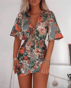 Adorable Outfit Ideas - 2 — Marie's Looks Floral Dresses With Sleeves, Cute Dresses, Casual Dresses, Short Dresses, Cute Outfits, Summer Dresses, Floral Sleeve, Short Floral Dress, Trend Fashion
