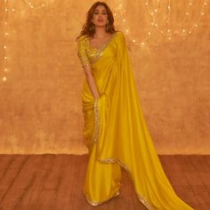 Indian Wedding Outfits, Bridal Outfits, Indian Outfits, Ethnic Outfits, Indian Clothes, Satin Saree, Chiffon Saree, Silk Sarees, Dress Indian Style