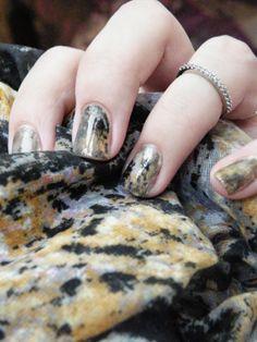 VerniSages: Quand mes ongles s'accordent à mon écharpe