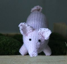 Strik til baby Archives - Side 4 af 4 - susanne-gustafsson. Knitted Animals, Piggy Bank, God Mad, Dinosaur Stuffed Animal, Knitting, Toys, Annie, Crafts, Amigurumi
