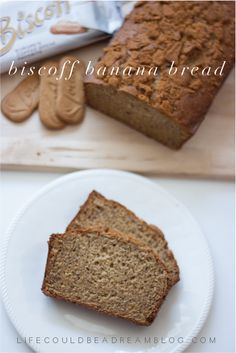 Moist biscoff banana bread with crunchy biscoff cookie crumbs on top. YUM!