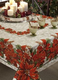 A tablecloth that is perfect for your Holiday décor. Effortlessly dress up your Holiday dinner with this luxurious engineered tablecloth.