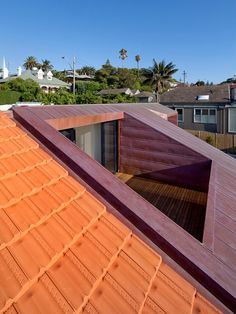 Best idea clasic roof for your home. the roof look naturaly. lets read here tips and trik best choice roof for your best home. Loft Conversion Balcony, Gable Roof Design, Roof Terrace Design, Roof Balcony, Loft Room, Roof Architecture, Roof Styles, Attic Renovation, Glass Roof