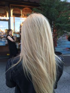 35 shades of blonde hair color ideas - Pelo balayage - . - 35 shades of blonde hair color ideas – Pelo balayage – color - Blonde Hair Shades, Light Blonde Hair, Blonde Hair Looks, Brown Blonde Hair, Pearl Blonde, Blonde Color, Ice Blonde, Medium Blonde, Light Hair