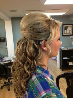 Curls with a poof !