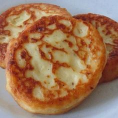 INGREDIENTS: 4 cups cold mash potatoes 5 slices bacon 1/2 teaspoon onion powder 1/2 teaspoon salt 1/2 teaspoon black pepper 2 eggs well beaten 1/2 cup shredded cheddar cheese DIRECTIONS: Place the …