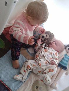 """Bruno-Zosia: Dziecko """"po srodku"""". Baby, Baby Humor, Infant, Babies, Babys"""