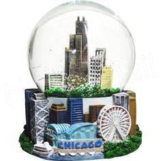 In the middle of this swirling snow, we feel like we're living in a Chicago snow globe! Hope everyone is staying warm #happyholidays #Chicagowinter
