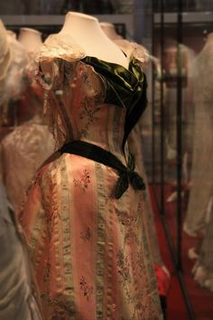 Dress of Empress Maria Fyodorovna, by Charles Frederick Worth's Firm, Paris, 1890s, at the State Hermitage Museum.