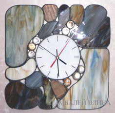 Витражные часы.
