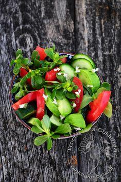 Purslane salad with basil flowers