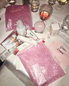 the best kind of dossier is a glossier Beauty Skin, Beauty Makeup, Eyebrow Makeup, Glo Up, Glossy Makeup, Beauty Book, Asian Makeup, Make Up Collection, Facial Skin Care