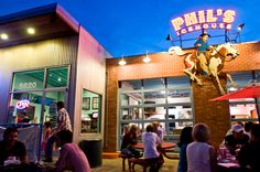 Phil's Ice House in Austin, TX. Fantastic burgers, especially the 78704. And, since it's owned by Amy herself, of Amy's Ice Cream, the after-dinner treat spot is conveniently attached to the burger joint.