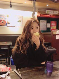 Your number one Asian Entertainment community forum! South Korean Girls, Korean Girl Groups, Take A Smile, Kim Min Ji, Jiu Dreamcatcher, Pick One, Insomnia, Ulzzang Girl, Kpop Girls