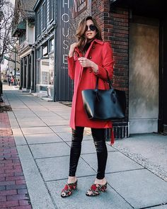 Date night ready. ✔️ @nicholeciotti in our Luella mule & Neva tote. Shop these pieces by tapping our bio link! #mysolesociety