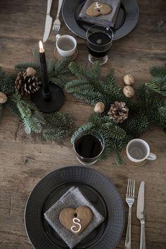 Rustic christmas table setting.