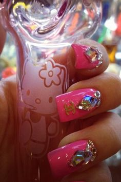 Gorgeous Nail Art~I have to point out that's a Hello Kitty glass pipe & she's smoking a joint on it! :)