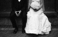 cute wedding picture idea!