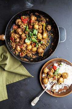 Warm curry recipe with button mushrooms and fenugreek