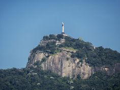 https://flic.kr/p/UrC62Y | O Cristo visto da Tijuca | Sobre o Corcovado.  Tijuca, Rio de Janeiro, Brasil. Tenha um belo dia.  _______________________________________________  Christ Viewed from Tijuca Neighborhood  On the Corcovado Hill.  Rio de Janeiro, Brazil. Have a great day.  _______________________________________________  Buy my photos at / Compre minhas fotos na Getty Images  To direct contact me / Para me contactar diretamente: lmsmartins@msn.com