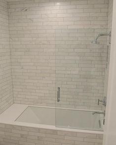 42 Pleasant Small Bathroom Shower With Tub Tile Design Ideas Smallbathroomdesigns Bathroomshowerideas Bathroomideas