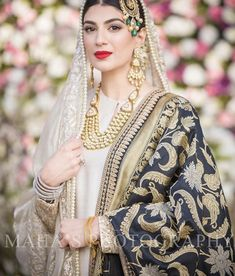 Muslim Brides Who Wore The Most Stunning Wedding Outfits Ever Indian Bridal Fashion, Pakistani Wedding Dresses, Pakistani Outfits, Indian Dresses, Indian Outfits, Nikkah Dress, Pakistan Wedding, Pakistan Bride, Look Short