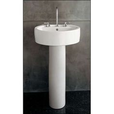 Charmant Chipperfield Pedestal Sink   Photo Small Bathroom