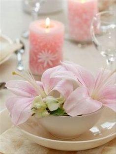 Pour votre mariage, choisissez des couleurs pastel et des Lys rosés pour une ambiance pleine de tendresse et une touche d'exotisme.