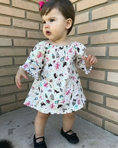 Cotton Frocks For Kids, Kids Frocks, Frocks For Girls, Baby Girl Romper, Cute Baby Girl, Little Girl Dresses, Baby Dress, Stylish Baby Clothes, Baby Kids Clothes