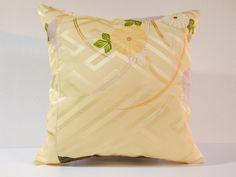 Etsy のJapanese Kimono Pillow | 199 | decorative pillow | 16x16 |,accent pillows,throw pillows,sofa pillows,couch pillows,throw,designer pillows(ショップ名:KyotoZakka)