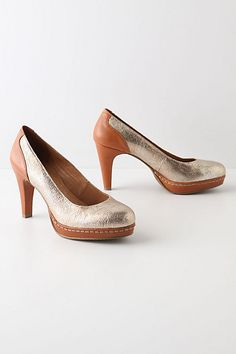 Disco queen meets working girl. Such an odd combo that I have to have them. Wishlisted!