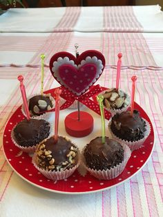 Be My Valentine – Double Fudge Cake Pops | Kitchen Paradiso