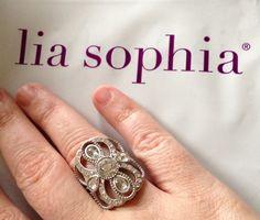 Florence... My new favorite ring!!!   liasophia.com/twl