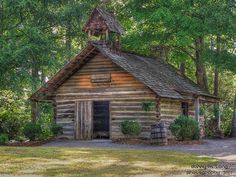 Old log cabin Church located in Noccalula Falls Park which is a 250-acre public park located in Gadsden, Alabama.