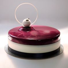 Dark chocolate-cherry cake. Beautiful Desserts, Beautiful Cakes, Amazing Cakes, Fancy Desserts, Delicious Desserts, Patisserie Fine, Chocolate Cherry Cake, Decoration Patisserie, Mirror Glaze Cake