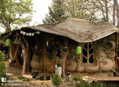 Cob & straw bale house - Somerset, England.