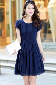 Elegant A-lined Dress Pretty Outfits, Pretty Dresses, Beautiful Dresses, Pretty Clothes, Work Clothes, Fashion Beauty, Fashion Looks, Womens Fashion, Elegant Office Wear