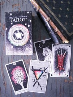 Whether it is your birthday or you just need to clear you mind, you'll find exactly the tarot spread for you!