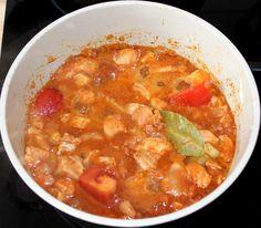 Csirkemell pörkölt recept Curry, Ethnic Recipes, Food, Curries, Essen, Yemek, Meals