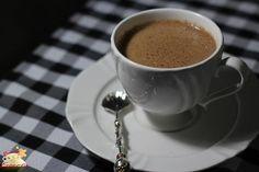 Pra beber embaixo do cobertor: Chocolate quente com café