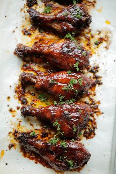 Chicken Drumsticks Oven, Oven Chicken, How To Cook Chicken, I Love Food, Good Food, Yummy Food, Tapas, Sticky Chicken, Drumstick Recipes