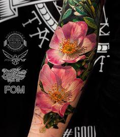 Realistic Flower Tattoo, Hyper Realistic Tattoo, Body Art Tattoos, Print Tattoos, Cool Tattoos, Tatoos, Tropical Flower Tattoos, Tropical Flowers, Flor Tattoo