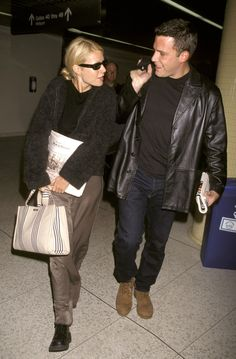 Everything that& cool now was cooler on a traveling celebrity 20 years ago: just ask Jerry Seinfeld, Woody Harrelson, and Mr. Ali Michael, Jane Birkin, Celebrity Airport Style, Drew Barrymore, Models Off Duty, Gwyneth Paltrow, Ben Affleck, Celebrity Couples, Hot Couples