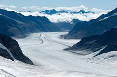 Aletsch Glacier (view from Jungfraujoch), Bernese Alps, Bern/Valais, Switzerland.
