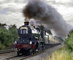 Old Steam Locomotives | Vintage Trains Guest Locomotives - 5029 Nunney Castle