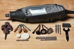 How to Use Dremel Polishing Compound - Dremel Projects Ideas Dremel Bits, Dremel Werkzeugprojekte, Dremel Polishing, Dremel 3000, Dremel Carving, Dremel Rotary Tool, Soldering, Polishing Rocks, Dremel Tool Accessories
